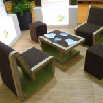 Des stand éco-conçu avec du mobilier en carton, très esthétique et solide
