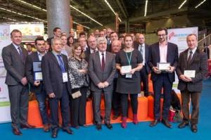 Emery Jacquillat et l'ensemble des lauréats entourent le ministre Philippe Martin